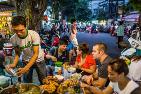 HANOI STREET FOOD EATS
