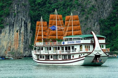 greyline-cruise-halong-bay-overview